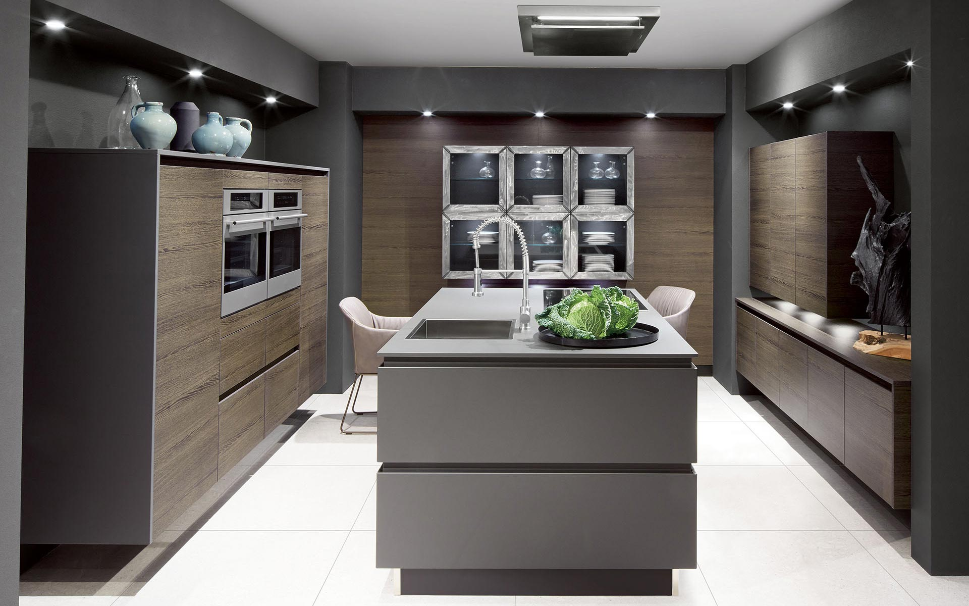 Toronto: Kitchens from Germany, Europe. Calm H Dunkel • Extrem Graphit
